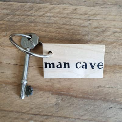 Man Cave Keyring - Great Father's Day Gift!